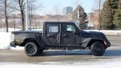 Новый пикап Jeep Scrambler выехал на тесты - фото 5