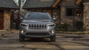 Рестайлинговый «американец»: в Детройте представлен обновлённый Jeep Cherokee - фото 33