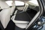 Новый гибрид: Honda представила серийный седан Insight - фото 11