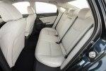 Новый гибрид: Honda представила серийный седан Insight - фото 14
