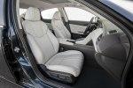 Новый гибрид: Honda представила серийный седан Insight - фото 9
