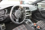 Volkswagen начал испытания нового Golf - фото 5