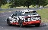 Audi вывела на финальные тесты первый электрический кроссовер - фото 10