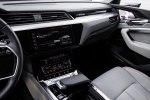 Электрокроссовер Audi: пять экранов, 16 динамиков и камеры вместо зеркал - фото 3