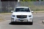 Автолюбители успели заметить обновленный Mercedes-Benz GLC во время тестов - фото 1