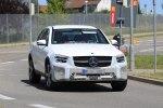Автолюбители успели заметить обновленный Mercedes-Benz GLC во время тестов - фото 2