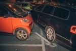 В Киеве у ТРЦ Dream Town пьяный водитель Honda на «евробляхах» разбил 7 машин - фото 2