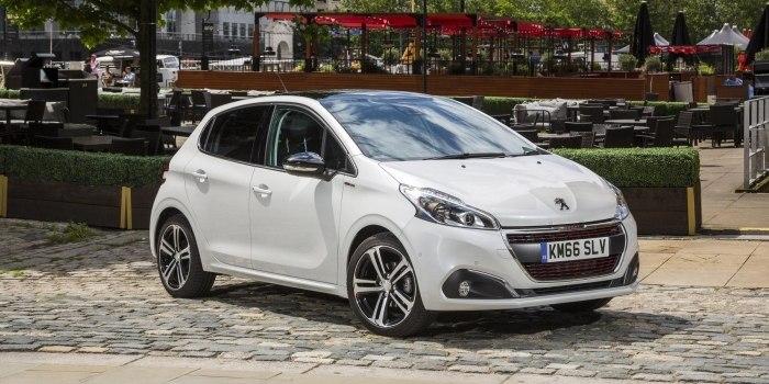 Peugeot 208 5-ти дверный 2015