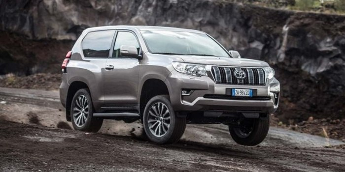 Toyota Land Cruiser Prado 150 3-х дверный 2017