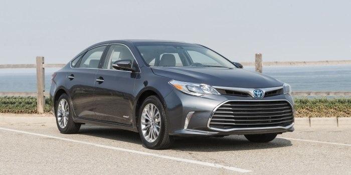 Toyota Avalon Hybrid 2016