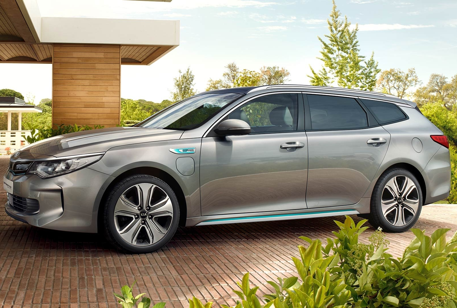 kia optima sw plug in hybrid. Black Bedroom Furniture Sets. Home Design Ideas