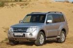 Тест-драйв Mitsubishi Pajero Wagon: Твердая четверка
