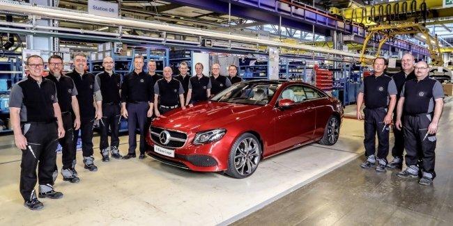 Купе Mercedes-Benz E-Class Coupe нового поколения официально встало на конвейер