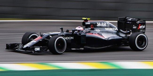 McLaren во второй раз изменил названия болидов Формулы-1