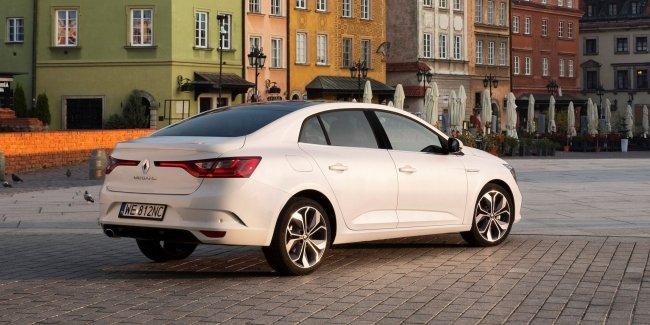 InfoCar.ua стали известны украинские цены на Renault Megane седан