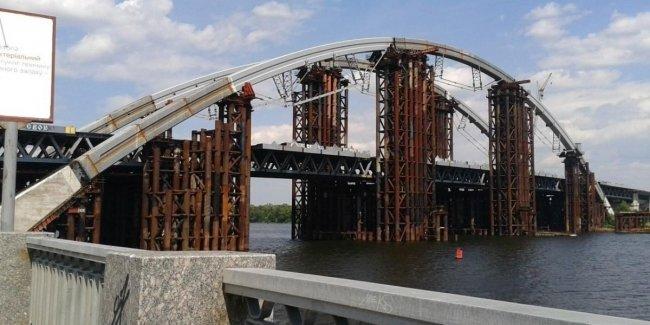 Недостроенный мост в Киеве уже дороже самого высокого моста в мире