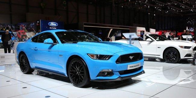 Без V6, но с экранами: как изменился Ford Mustang после рестайлинга