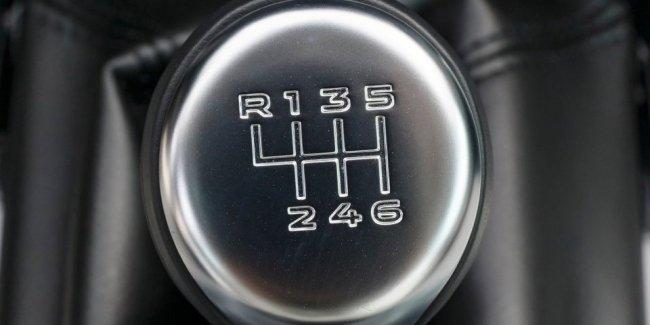 В США преступник не смог угнать машину из-за «механики»