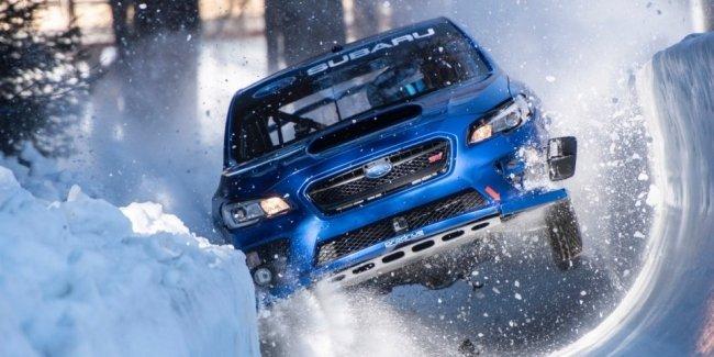 Посмотрите на очень жесткий спуск Subaru с бобслейной трассы