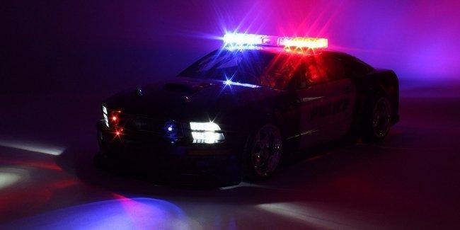 Американец угнал полицейскую машину, чтобы не заправлять свою