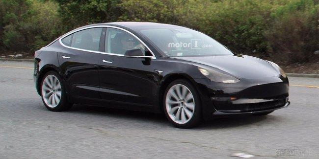 Дизайн нового электрокара Tesla Model 3 рассекретили до премьеры