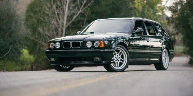 Уникальный BMW E34 M5 универсал оценили в $60 тысяч