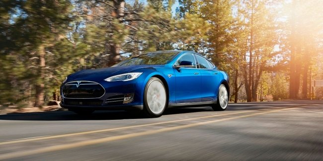 Tesla отзовет 53 тысячи электрокаров