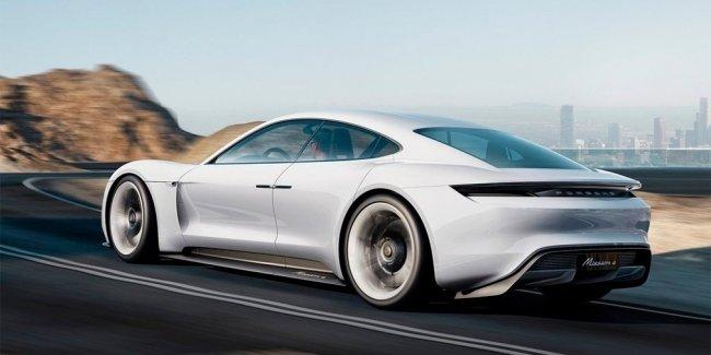 В Porsche задумали выпустить линейку электрокаров