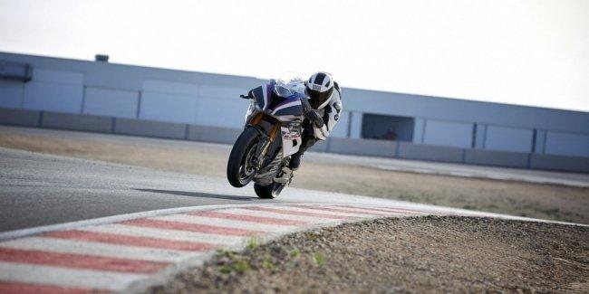 Официально представлен гоночный байк BMW HP4 Race