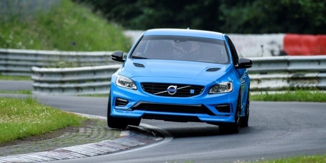 Volvo S60 стал быстрейшим седаном Нюрбургринга