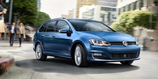 Универсал Volkswagen Golf: объявлены комплектации и цены в Украине