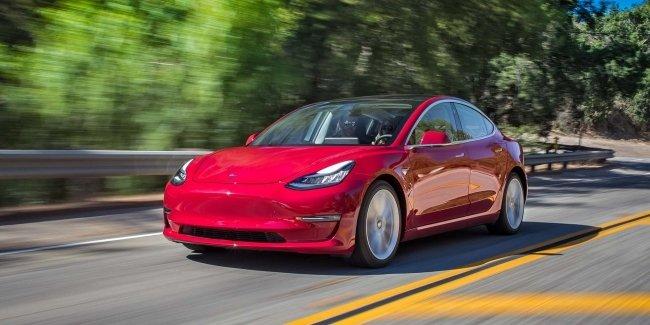 Tesla начала продажи новой бюджетной модели