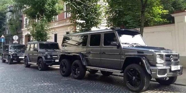 В Украине засветился уникальный 6-колесный Мерседес