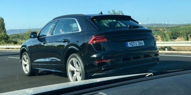 Кроссовер Audi Q8 засветился почти без камуфляжа