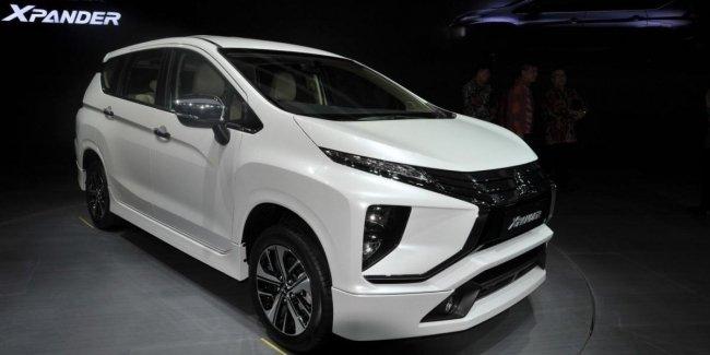 Живые фото нового 7-местного минивэна Mitsubishi Xpander