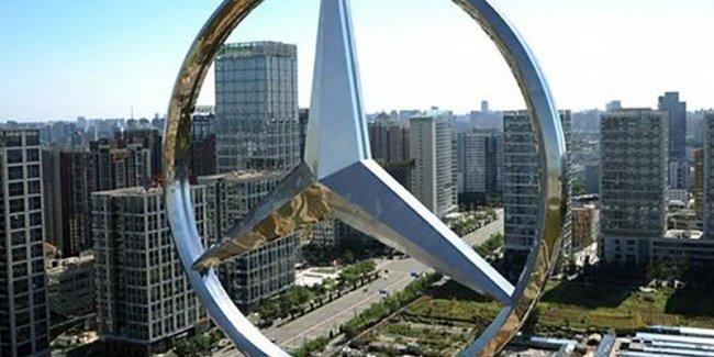 Mercedes-Benz могут разделить на три независимые компании