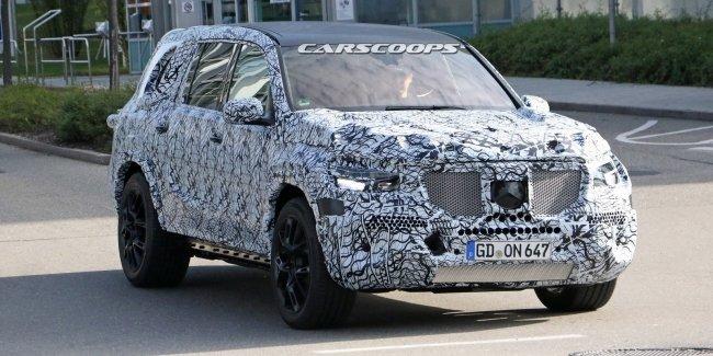 Новый Mercedes-Benz GLS впервые замечен на тестах