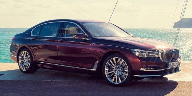 «Семерку» BMW превратили в роскошную «яхту»