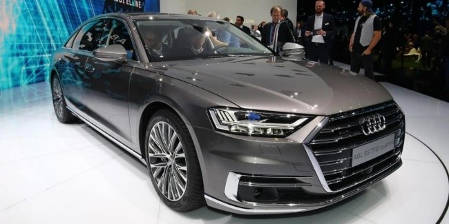 Новая Audi A8 2017: фото и видео с Франкфуртского автосалона