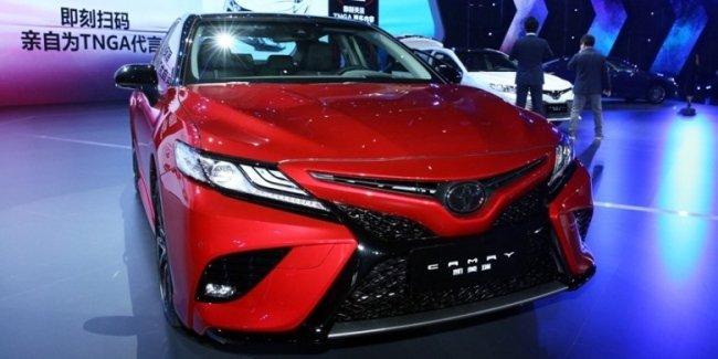 Toyota Camry нового поколения официально представлена