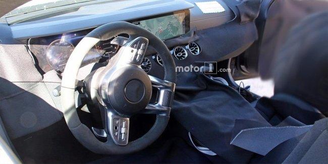 Опубликована первая фотография салона седана Mercedes-AMG GT