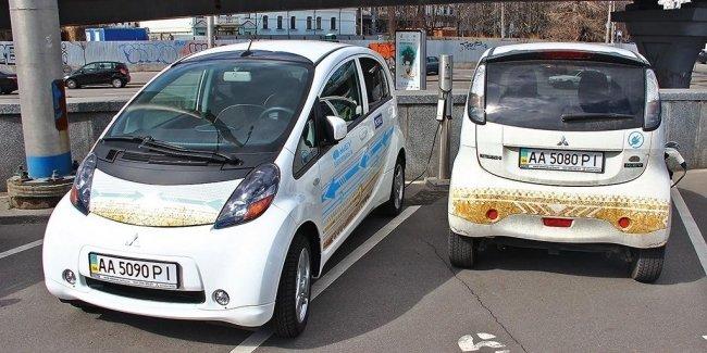 Электромобили в Украине хотят освободить от налогов