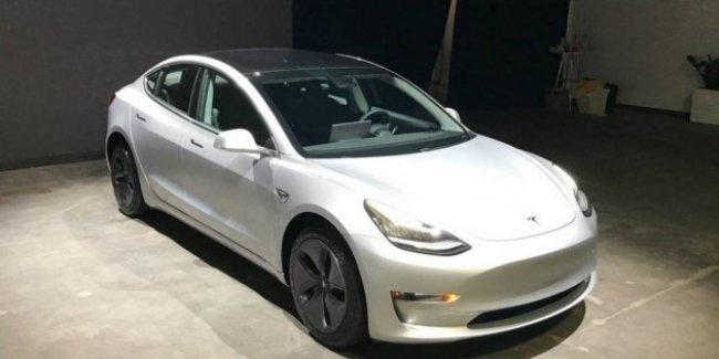«Когда успели?»: продается Tesla Model 3 уже с пробегом