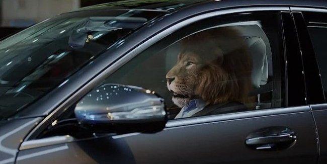 Mercedes-Benz «усадил за руль» льва