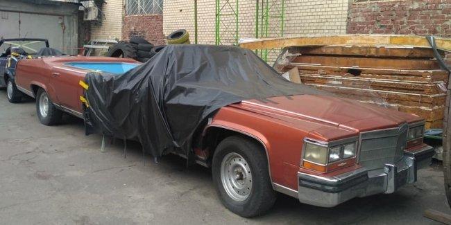 В Украине появился необычный лимузин с бассейном