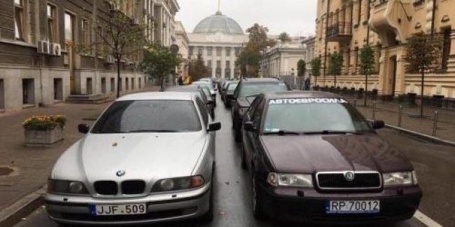 В Одессе суд постановил взыскать с водителя на еврономерах 3 млн. гривен