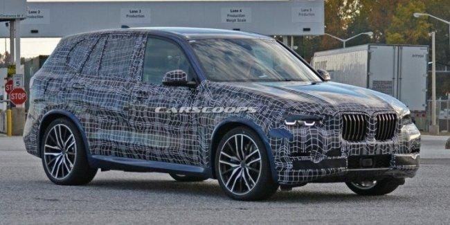 Новый BMW X5 вновь «спалился» на тестах