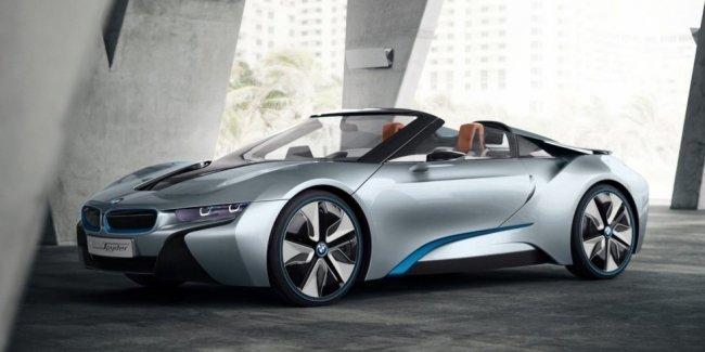 Стала известна дата премьеры BMW i8 Roadster