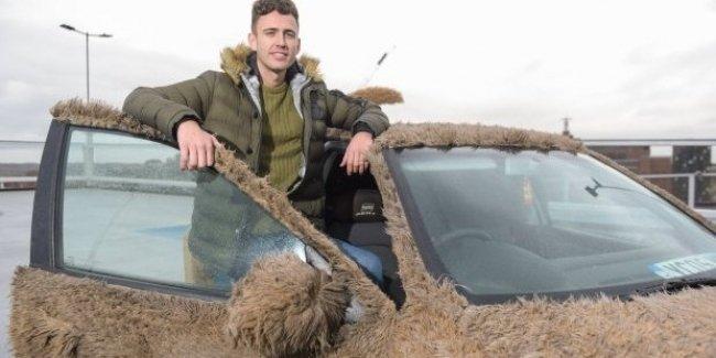 Британец превратил машину в «собаку», чтобы не возить девушку на работу