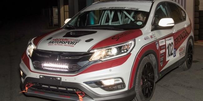 Кроссовер Honda CR-V приспособили для гонщиков-инвалидов